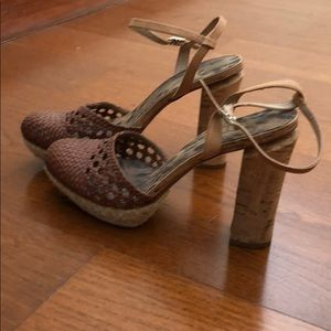 Weaved front wooden heels